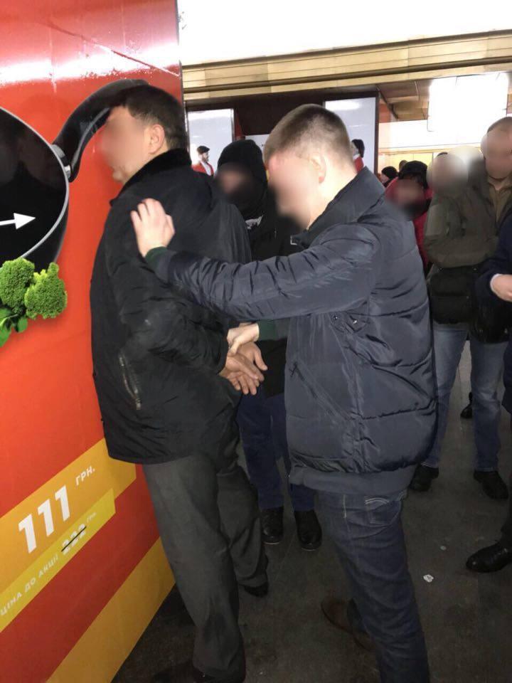 В Киеве директор госпредприятия хотел «откат» в 330 тысяч гривен