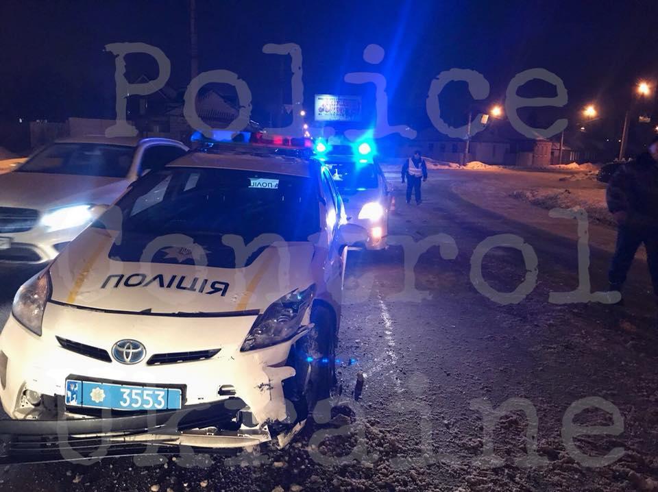 В Харькове пьяный водитель устроил массовое ДТП: пострадали полицейские