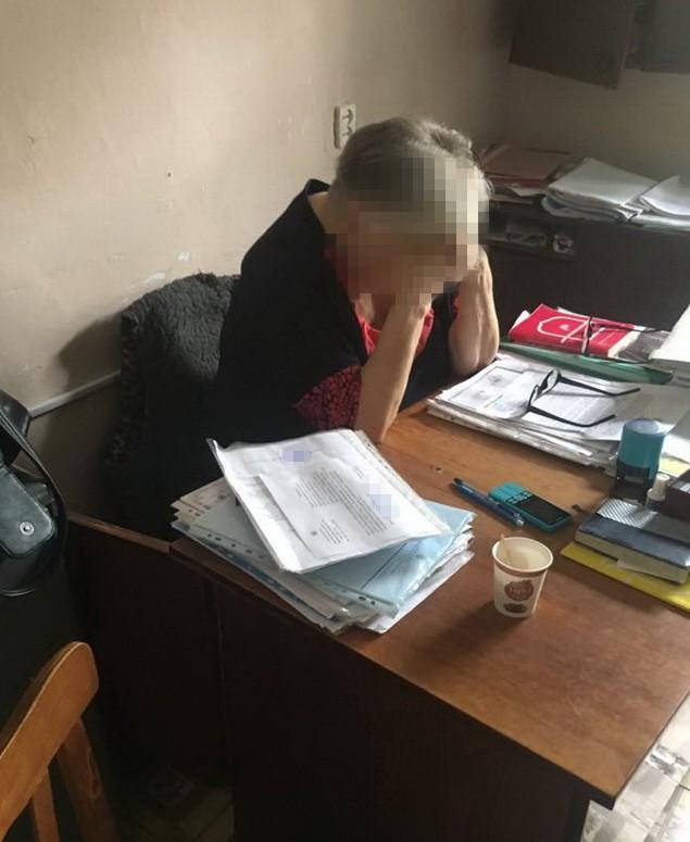 В Винницкой области на взятке за закрытие дела задержали судью и адвоката