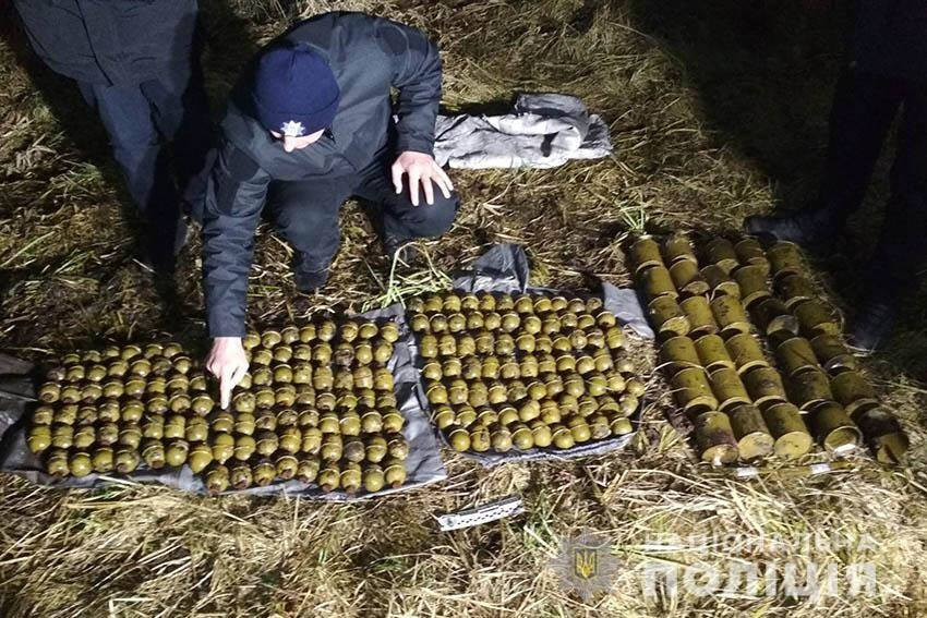 В Полонском районе местный житель нашел двести боевых гранат