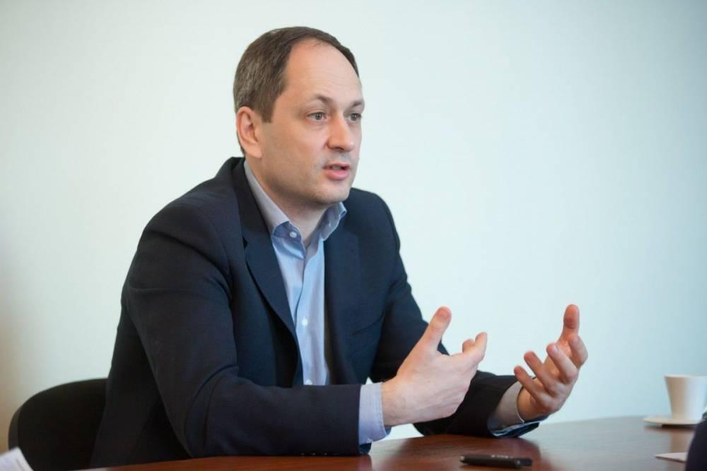 Министр Черныш задекларировал квартиру в Киеве и почти 100 тысяч долларов