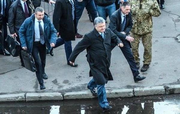 Жители Житомирской области заплатили 2 млн гривен за встречу с Порошенко