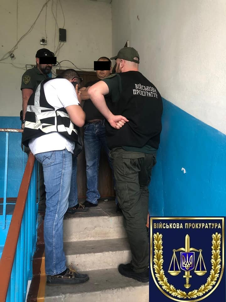 В Токмаке на взятке поймали офицера военкомата