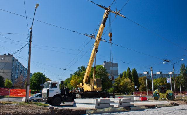 В Харькове по завышенным ценам построят троллейбусную линию