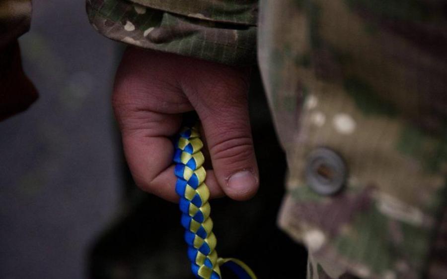 В Глухове прапорщик избил и пытался застрелить солдата
