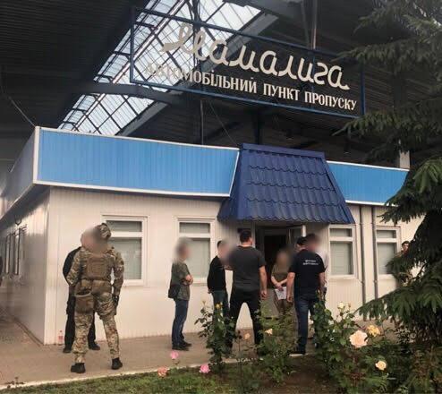 Украинские и молдавские таможенники брали взятки за ввоз «евроблях» без досмотра