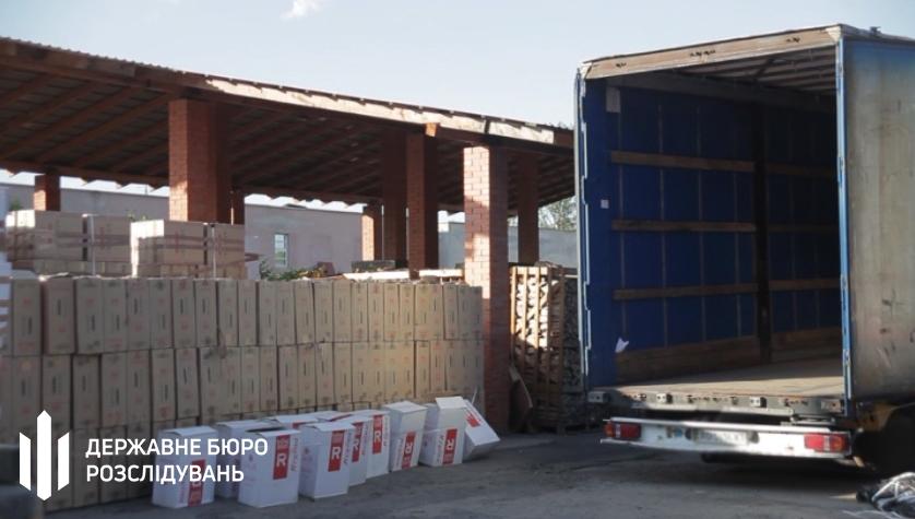 В Закарпатской области задержали караван грузовиков с контрабандными сигаретами