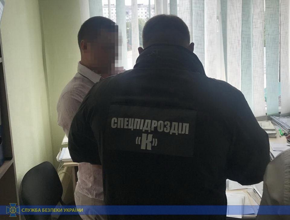 В Житомире чиновник Гоструда шантажировал бизнесменов