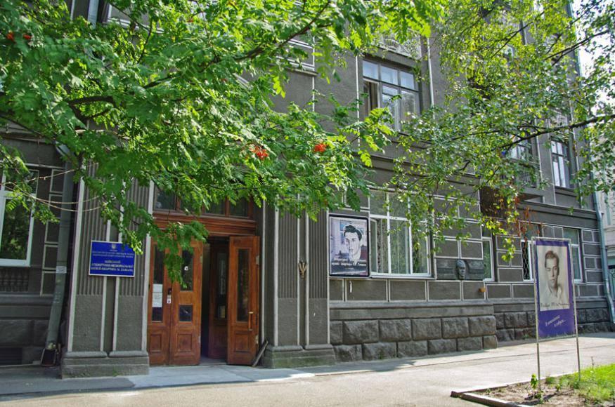 Чиновнику Госуправления делами вручили подозрение в присвоении квартиры в центре Киева