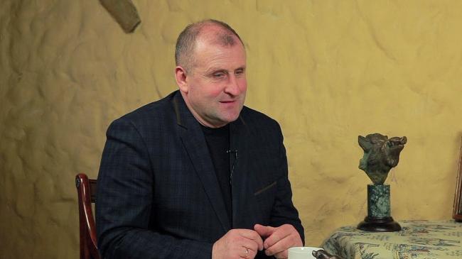 Глава Рокитновского района после увольнения вымогал 300 тысяч долларов