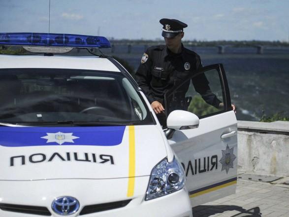 Сломавшими ногу прохожему полицейскими из Мариуполя занялись в ГБР