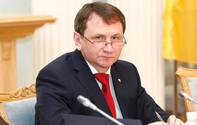 Глава Совета судей Ткачук досрочно уволился из-за участия в конкурсе на должность судьи КСУ