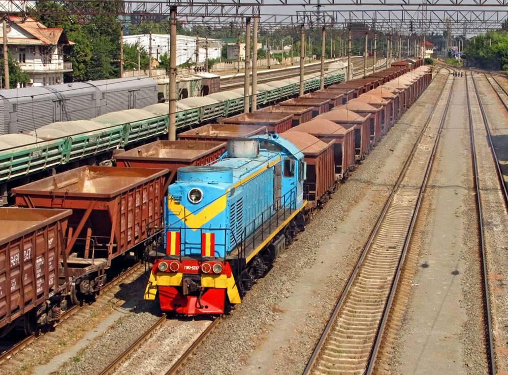Железнодорожники без торгов заказали ремонт двух старых тепловозов за 13 млн гривен