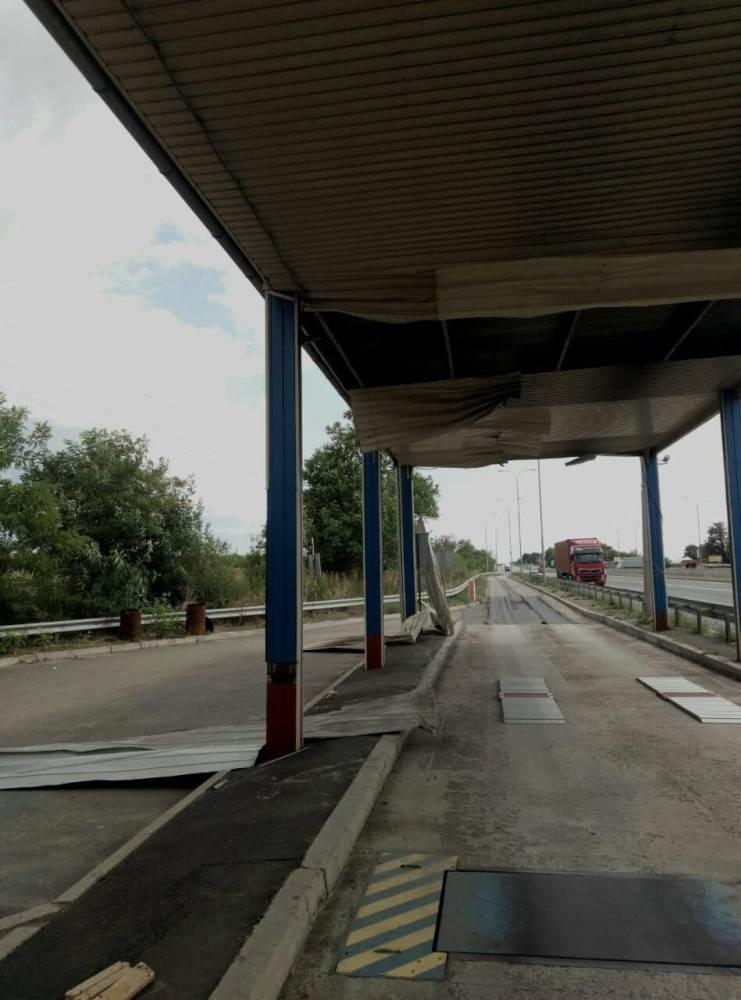 Чиновники «Укртрансбезопасности» повредили весовой комплекс Службы дорог в Одесской области