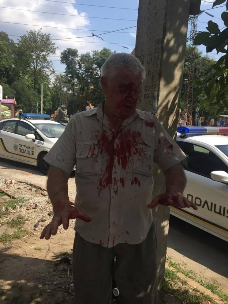 В Харькове участковый избил пенсионера