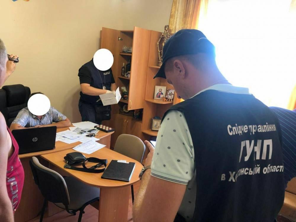 Глава сельсовета в Херсонской области попался на взятке