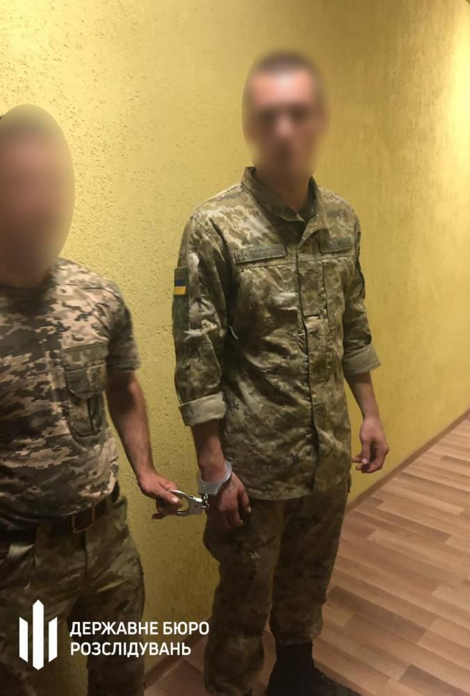В Мукачево пограничник избивал сослуживцев и дрался с патрульными