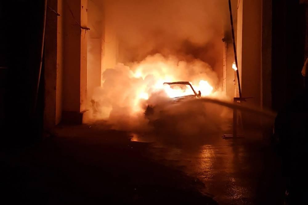 Гонтарева заявила о преследовании: в Киеве сожгли авто детей экс-главы НБУ