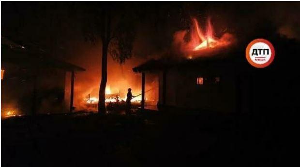 Фабрикация улик: дом Гонтаревой под Киевом подожгли неизвестные