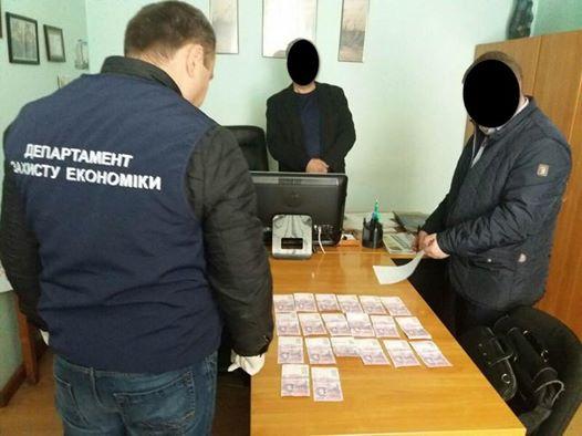 В Летичеве начальника центрального отделения «Укрпочты» осудили за взятку