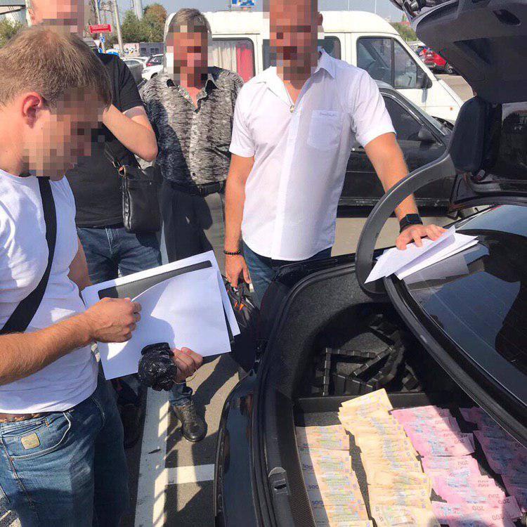 В Киеве инспектор Гоструда брал взятки через адвоката