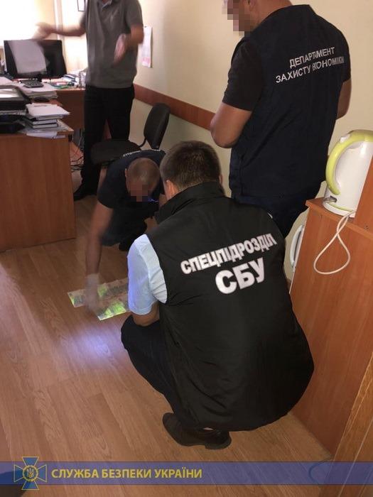 В Хмельницкой области задержали чиновника Госпродпотребслужбы
