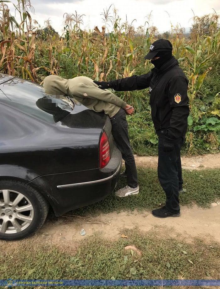 Бывший милиционер занимался производством и сбытом наркотиков в Закарпатской области