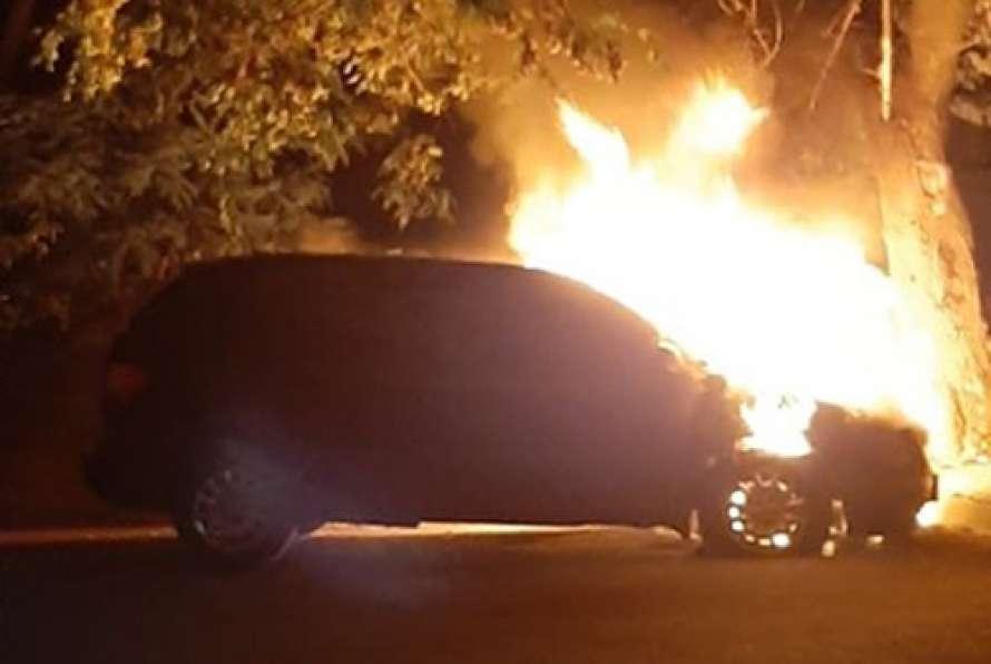 Секретарю Черкасского горсовета подожгли машину