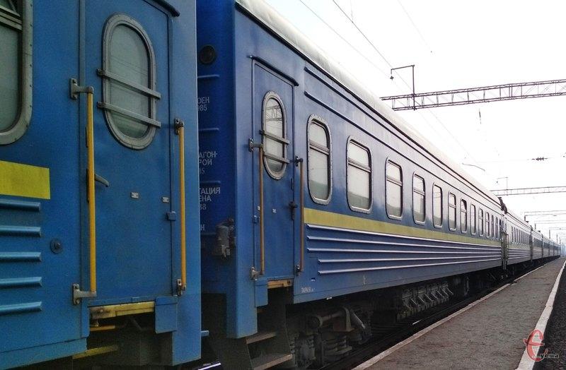 «Укрзализныця» переплатила 9,5 млн за за двери и полки для вагонов