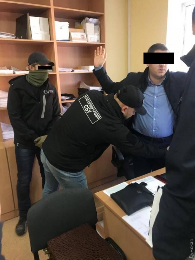 Чиновники ГИС в Одесской области наладили схему «выкачки» денег