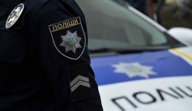 Львов: нарушитель с поддельными документами предлагал полиции взятку