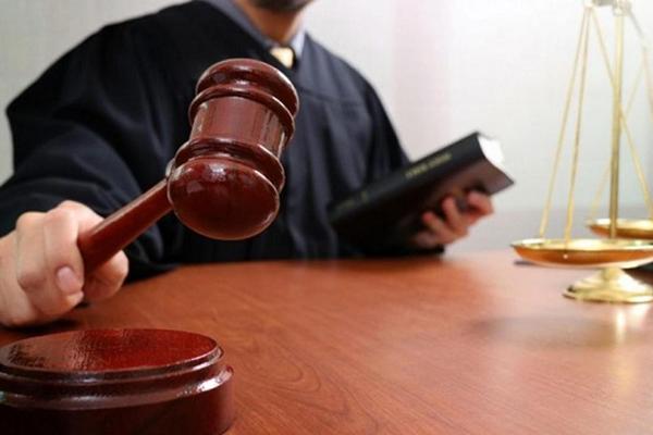 Суд арестовал дом, три сарая и выгребную яму прокурора
