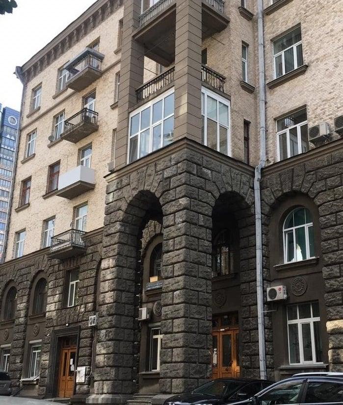В Киеве адвокат украл и пытался продать здание в правительственном квартале