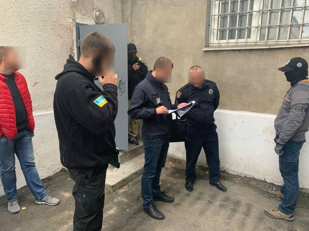 В Саврани на взятке задержали главу местной полиции