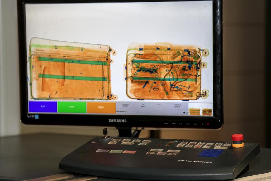 Китайцы требуют от Минфина почти девять миллионов долларов за сканеры для таможни