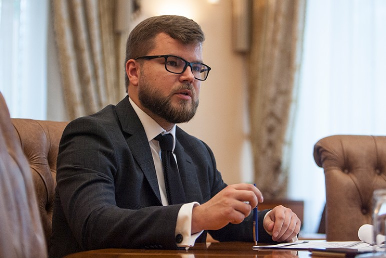Глава «Укрзализныци» Кравцов получил почти 10 млн гривен зарплаты за год