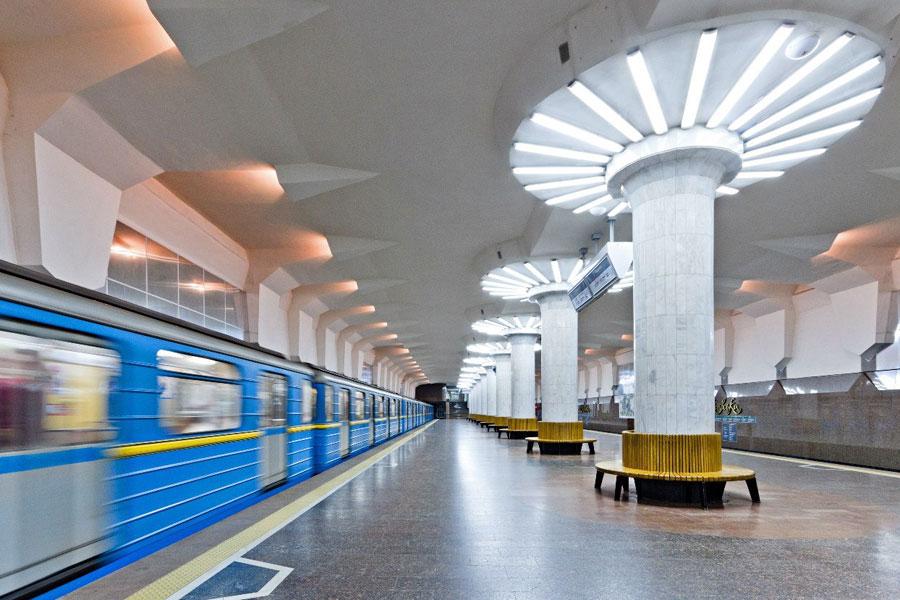 Метрополитен Киева уличили в закупке контрабандного бензина из России
