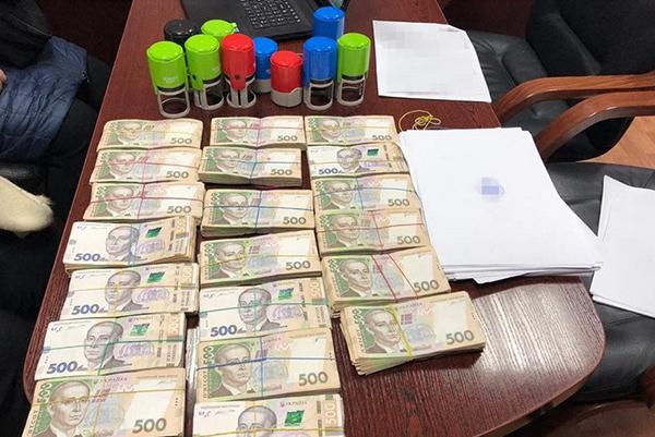 В Киеве обнаружили «конверт» с многомиллионным оборотом