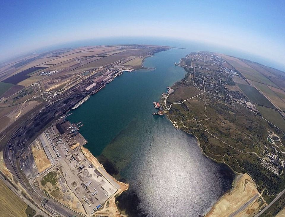 Прокуратура выступила против строительства терминала Ахметова в порту «Южный»