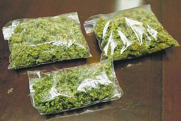 В Запорожье наркодиллеры прикрывались «связями» с полицией