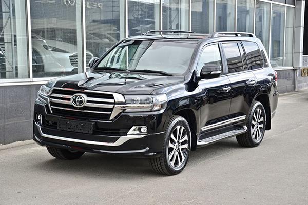 «Закарпатьеоблэнерго» купило подержанный внедорожник Toyota Land Cruiser за 2,4 млн гривен