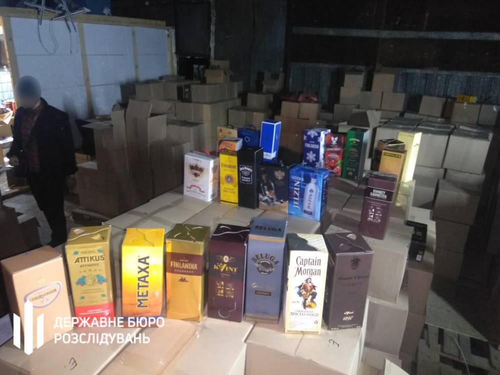 В Могилеве-Подольском производили подпольный алкоголь: Metaxa, Finlandia, Jack Daniels