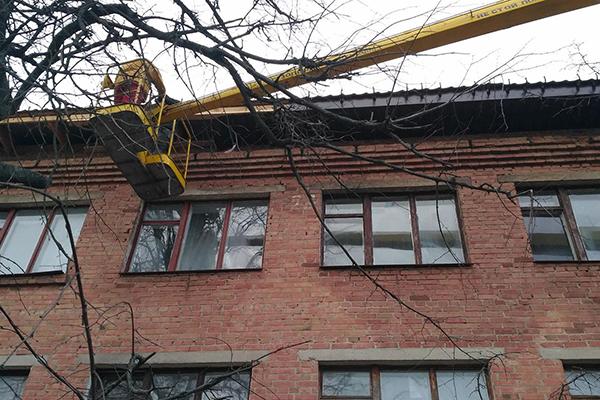 В Миргороде на ремонте учебного учреждения украли более 300 тысяч гривен