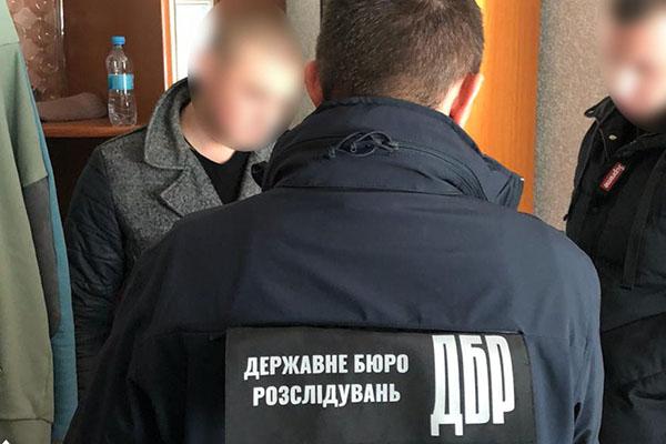 Одесса: полицейского и сотрудника СБУ подозревают в мошенничестве
