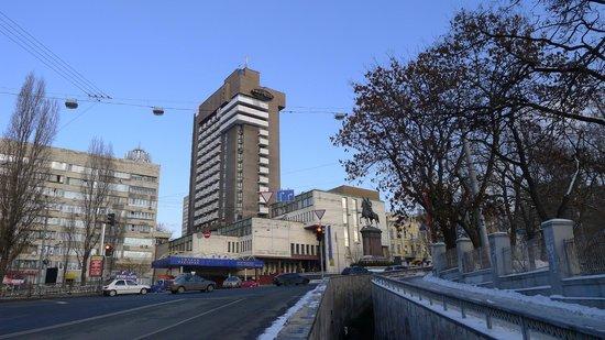 Чиновник «Укрзализныци» растратил более 50 млн гривен