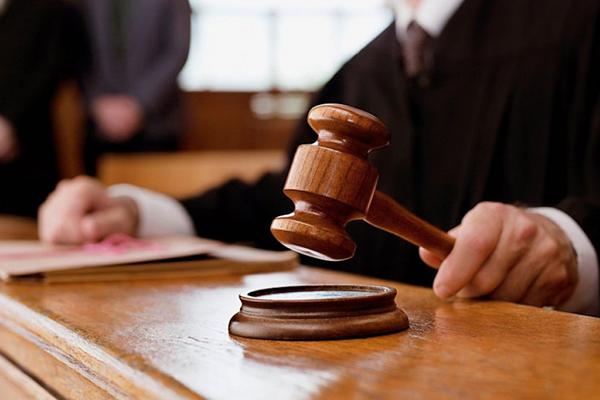 Самборский судья жалуется на вмешательство силовиков