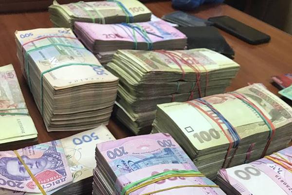 В Киевской области двух офицеров СБУ задержали на взятке в полмиллиона гривен (обновлено)