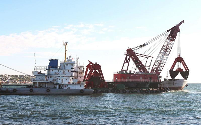 Чиновников Мининфраструктуры и АМПУ подозревают в махинациях при дноуглублении Черноморского порта