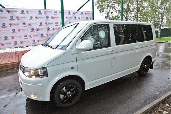 Автобаза ГУД купила два бронированных стекла по цене новых автомобилей