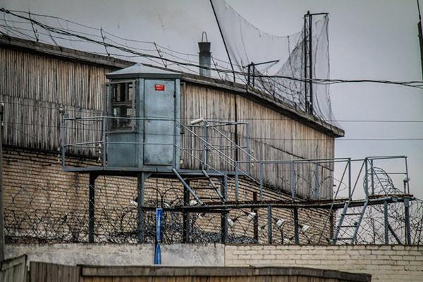 Из колонии в Житомирской области сбежали двое заключенных